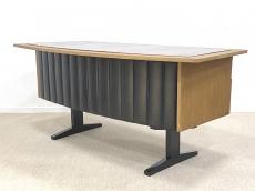 Elegáns mid-century modern íróasztal luxus kivitelben