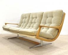Mid-century modern kanapé