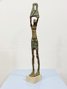 Szőke János bronz szobor - reggel, női akt