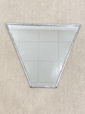 Trapéz forma metszett tükör