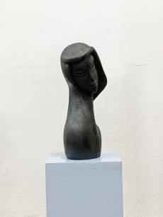 Faragott, art deco stílusú, női fej szobor