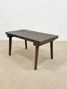 Tömör fa vintage asztalka
