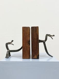 Modernista szobor jellegű könyvtámasz pár