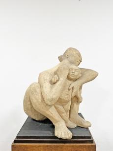 Modernista anya - gyerek szobor