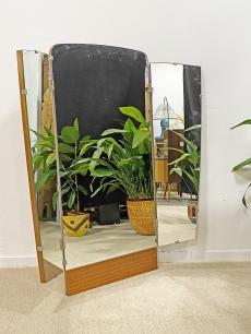 Izgalmas kinyitható mid-century modern tükör
