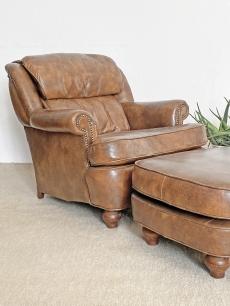 Pazar bőr pihenő fotel lábtartóval
