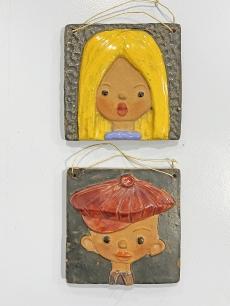 Iparművészeti retro kerámia faliképek kisfiú - kislány