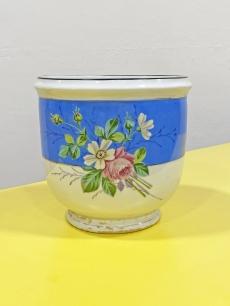 Gyönyörű antik porcelán kaspó virágcsokor festéssel