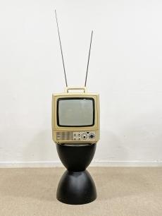 Szovjet retro, hordozható Tv készülék
