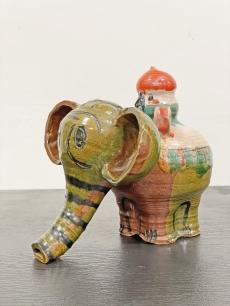 Sövegjártó Mária elefánt kerámia