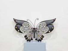 Iparművészeti pillangó fali dísz